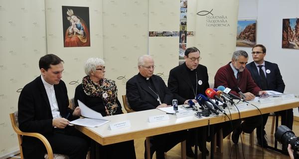 Tiskovna konferenca (foto: radio.ognjisce.si)