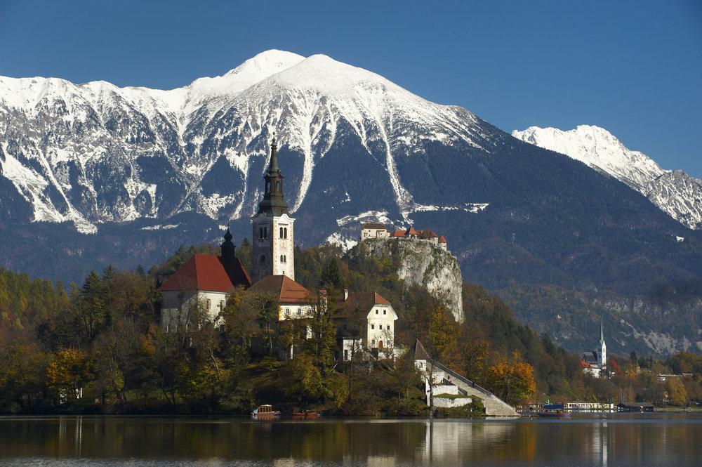 Cerkev Marijinega vnebovzetja na Bledu (foto: zupnija.bled.si)