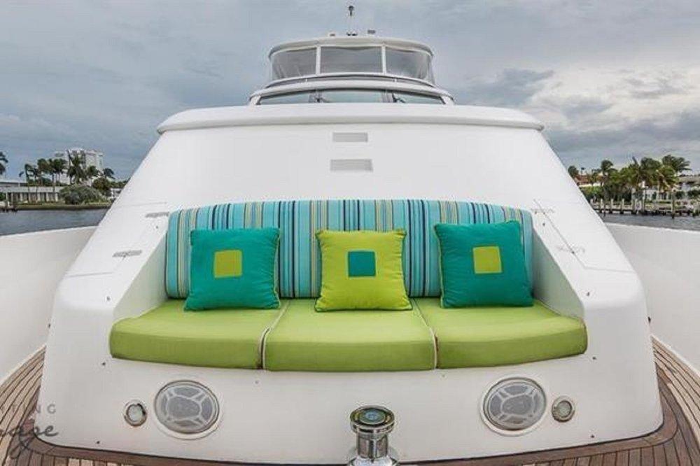 Luxury Charter Yacht Cynderella Bow