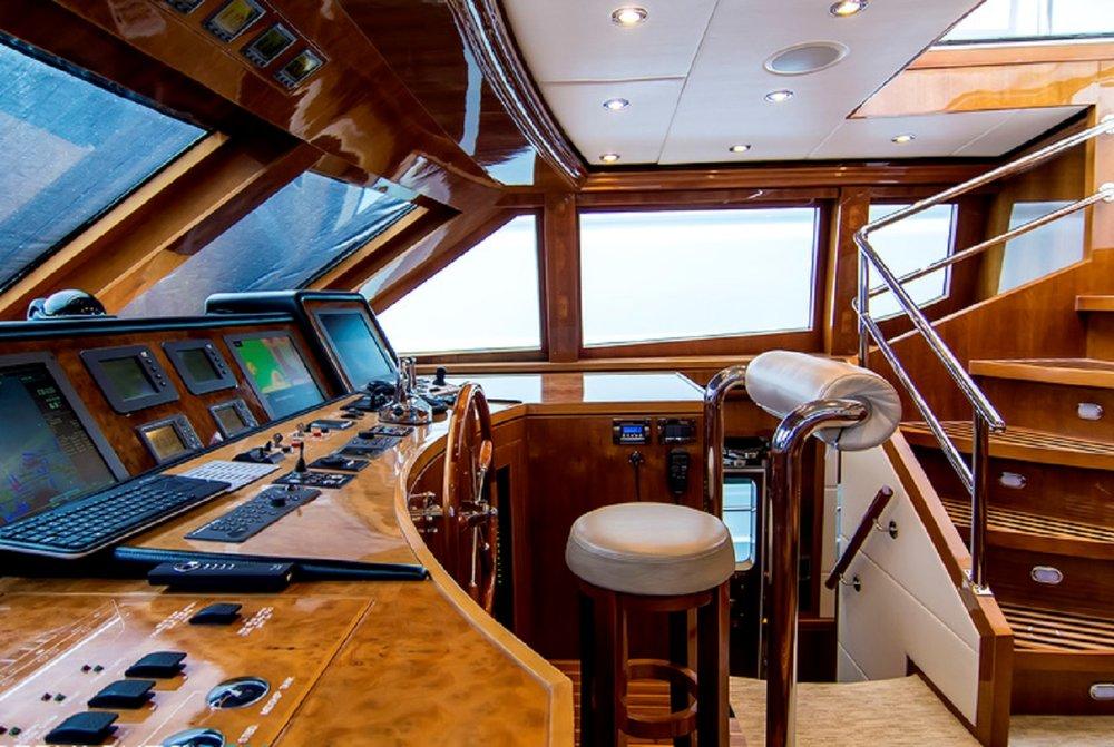 Luxury Charter Yacht Cynderella Wheelhouse