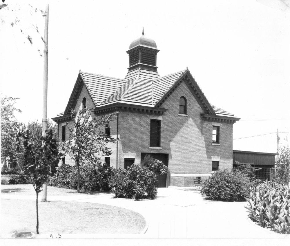 1913-carriage-house.jpg