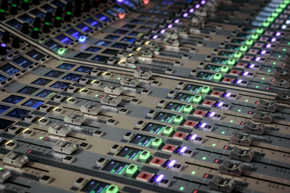 aldergrove-studio-mixing-1