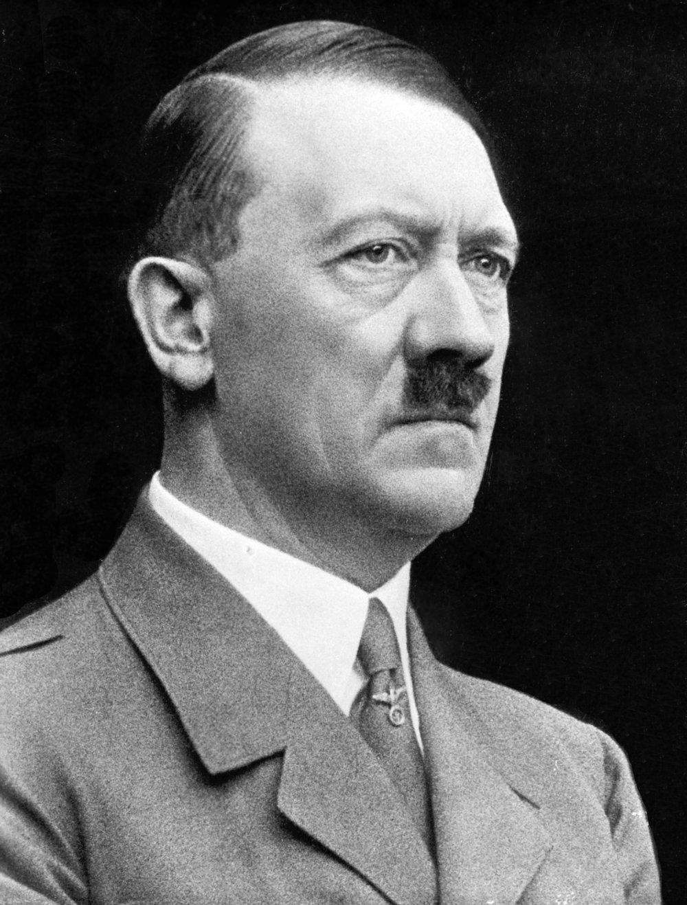 Adolf Hitler (portrait).jpg