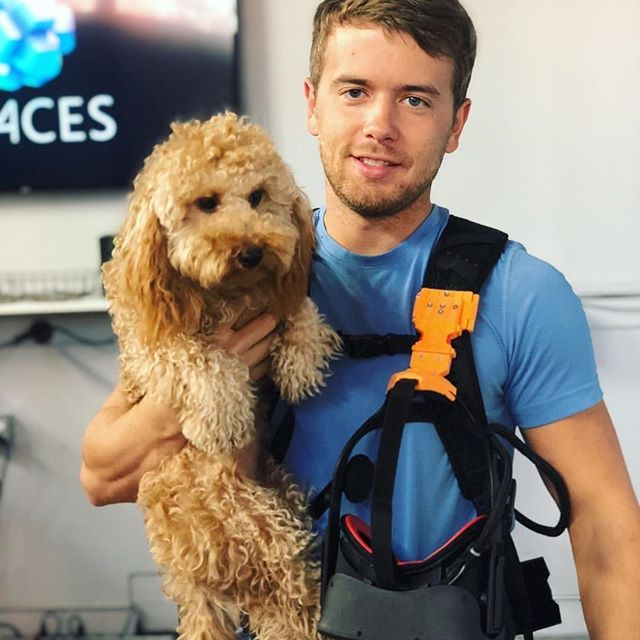 Man's best friend getting in on all the action too :) @cali.hubble . . . . #goldendoodle #mansbestfriend #vr #vrspaces #doodlesofinstagram #irvinespectrumcenter #virtualreality #irvineca #california #terminator #bonding #familytime #bringyourdogtoworkday #adventure #hp #themeparks