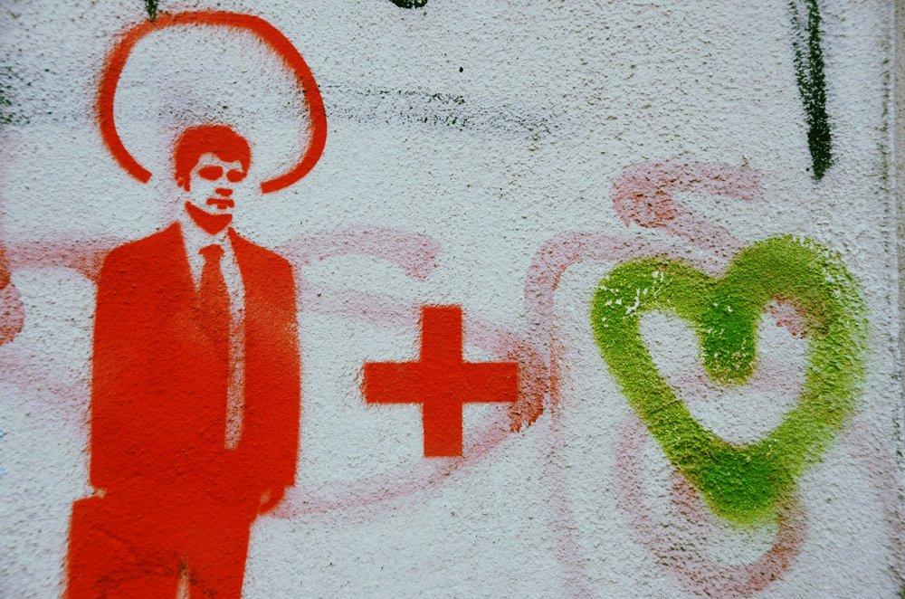 graffiti-77709_1920.jpg