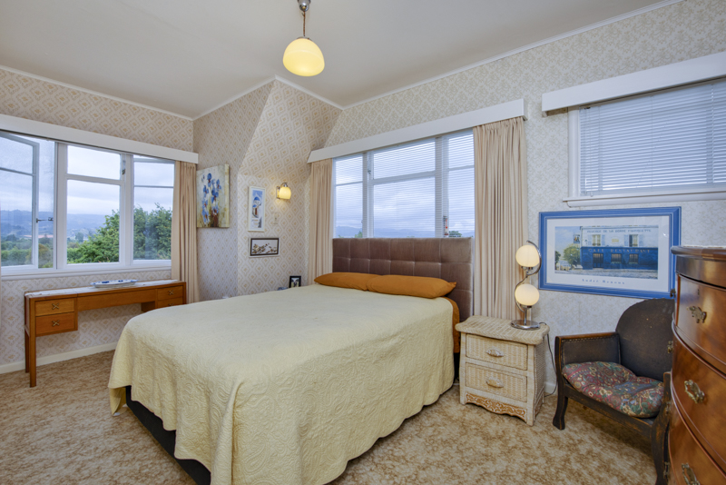 There are 4 double bedrooms, and an option for a 5th room or office. All double bedrooms have stunning views.