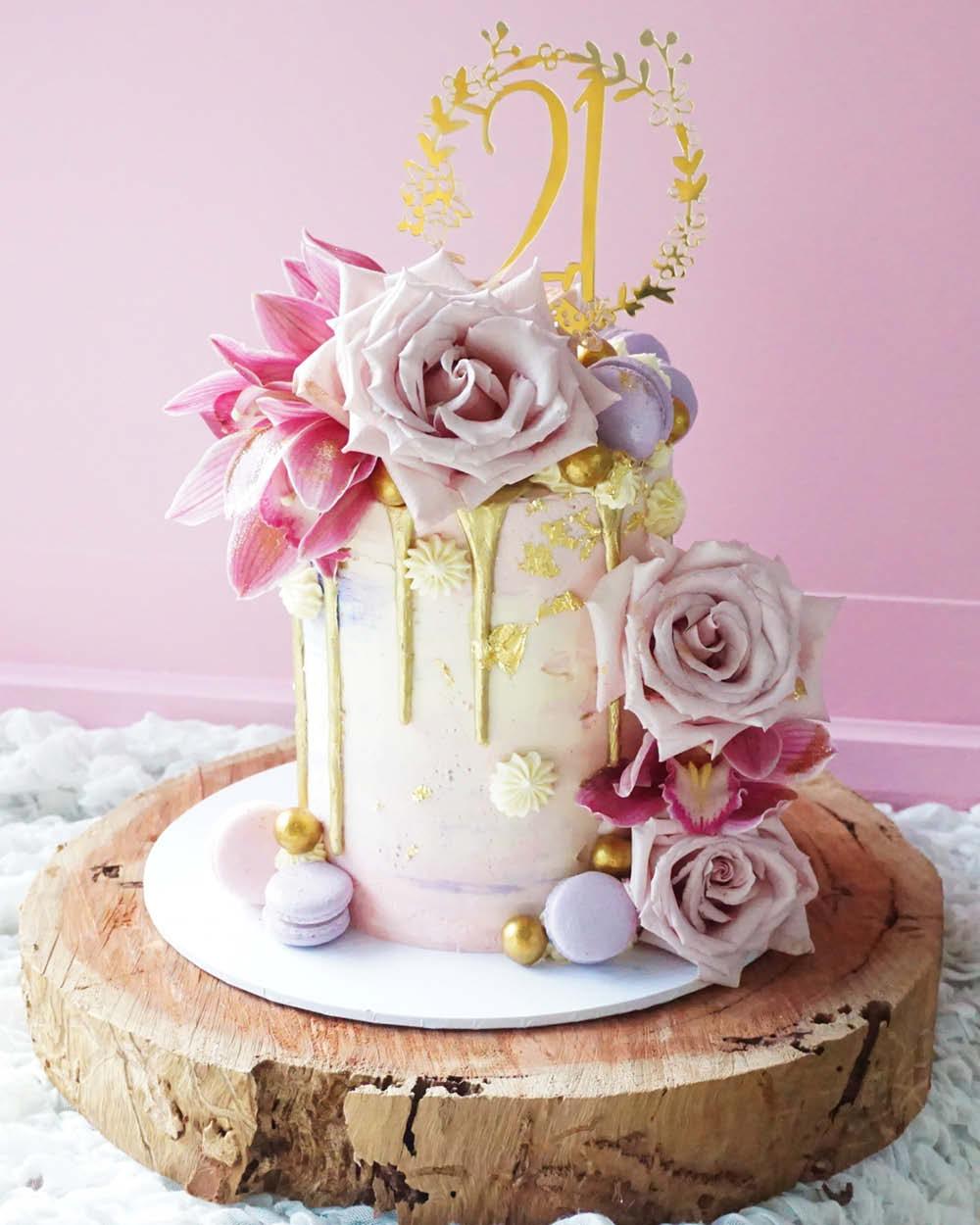 Cakes_By_Aranee_Perth_Drip_Cakes_Custom_Cakes_Wedding_Cakes_Macarons_Cupcakes_Personalised_Cookies_CAKES_Gallery10.jpg