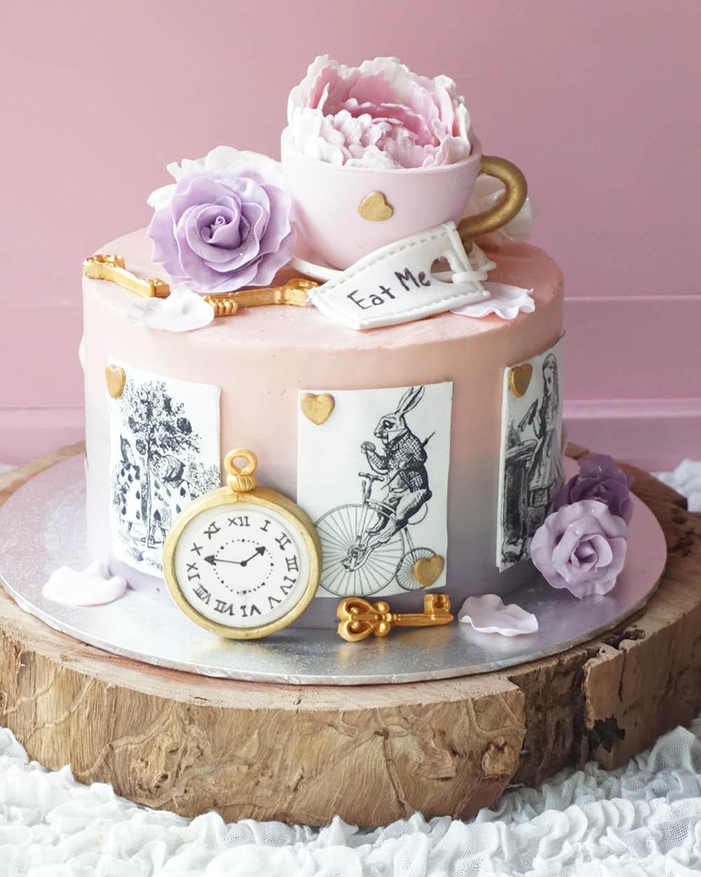 Cakes_By_Aranee_Perth_Drip_Cakes_Custom_Cakes_Wedding_Cakes_Macarons_Cupcakes_Personalised_Cookies_CAKES_Gallery13.jpg