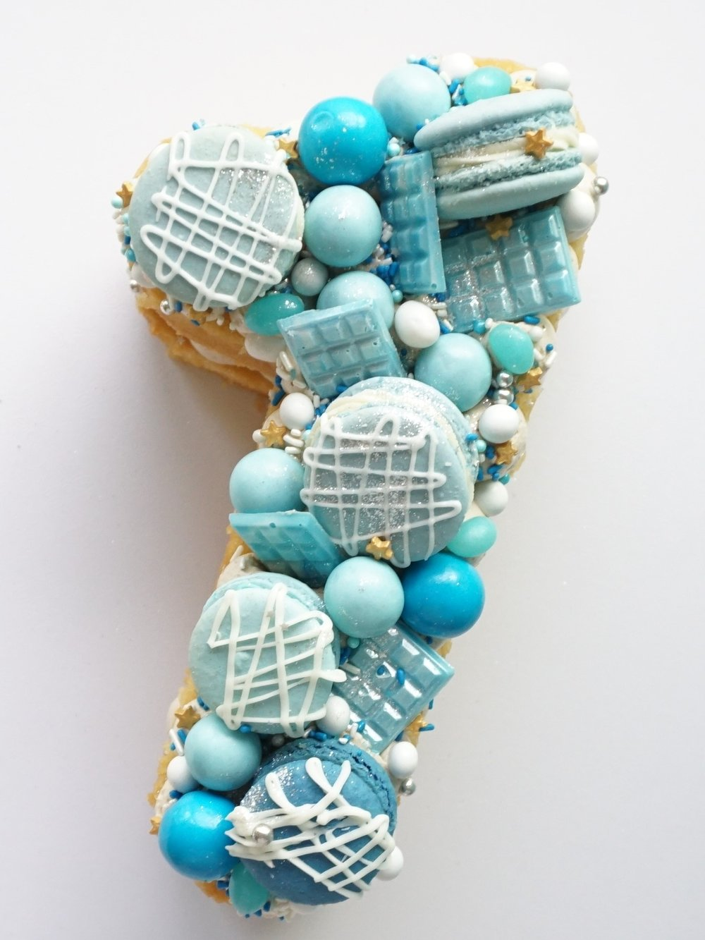 Cakes_By_Aranee_Perth_Drip_Cakes_Custom_Cakes_Wedding_Cakes_Macarons_Cupcakes_Personalised_Cookies_CAKES_Gallery7 (2).jpg