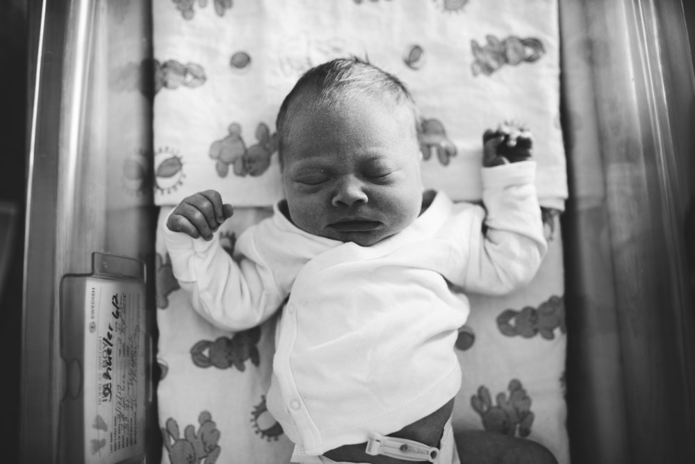 Seattle Lifestyle Photography - baby in hospital bassinet