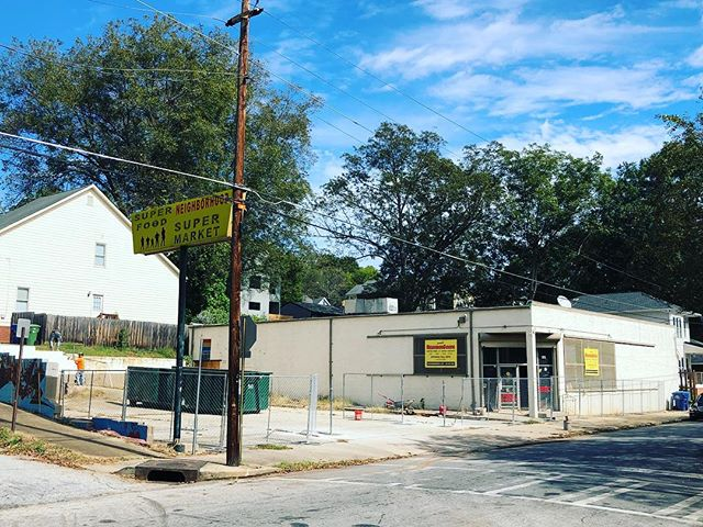 Construction fence is going up...🏗 🚧 #neighborgoodsatl #summerhill @talat_marketatl