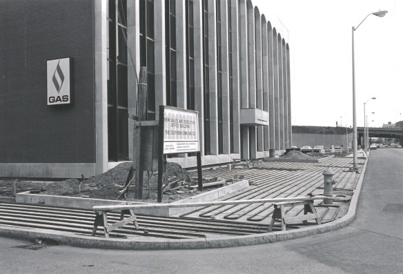 Construction of The Southern Connecticut Gas Comapny's former sales and executive office on Broad Streeet in Bridgeport in the 1970s. The company is now located on Marsh Hill Road in Orange (on the other side of the I-95 from UI).