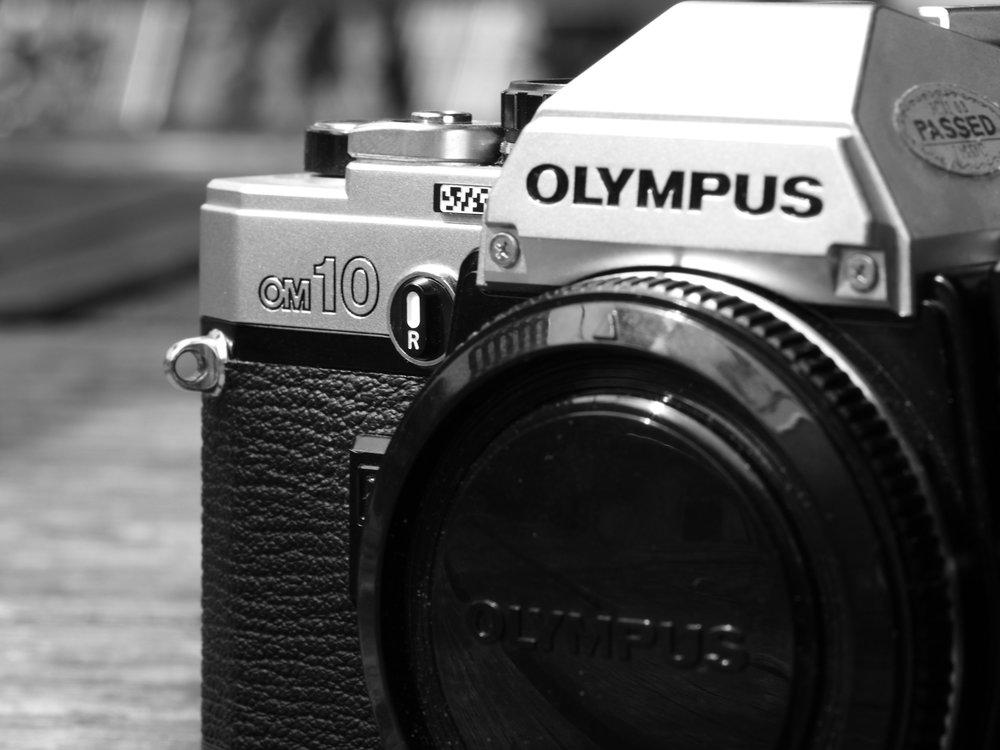 Olympus OM10 Body. Classic Design in chrome and black.