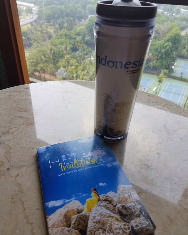 The great thing about mornings is starting your day off right with a word of encouragement. How are you starting your mornings?  #hellotrailblazer#whereintheworldistoni#whereistoni#jakarta#worldtraveler#startyourdayoffright
