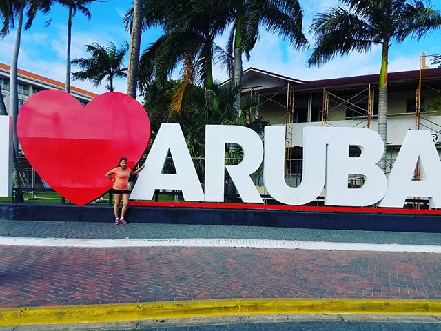 🎶Aruba, Jamaica🎶 where is your paradise on earth? Is it on the beach, taking a hike up in the mountains, skiing or just relaxing at home? Paradise on earth can be the place where you are most relaxed and have a sense of peace. Have you already found your paradise? #whereintheworldistoni#worldtaveler#whereistoni#hellotrailblazer#feelinghappytoday