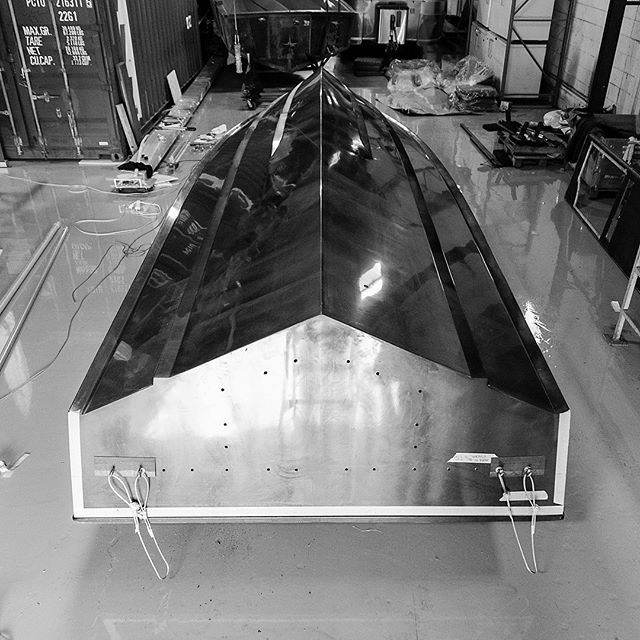 Progress report 👌🏼 . . . #carbonmarine #pfaffauto #carbonfiber #pfaffxcarbonmarine