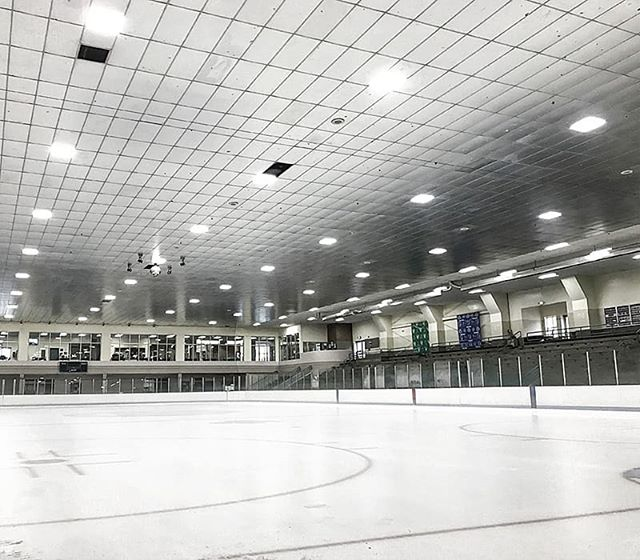 Our 40W Magic LED Panels lighting up an Ice Rink in Washington! They got JL, did you?  #getjl #getjlnow #jllighting #led #ledlightting #commercialled #commerciallighting #lights #icerink #hockey #washington #ledlights #commerciallights #ice