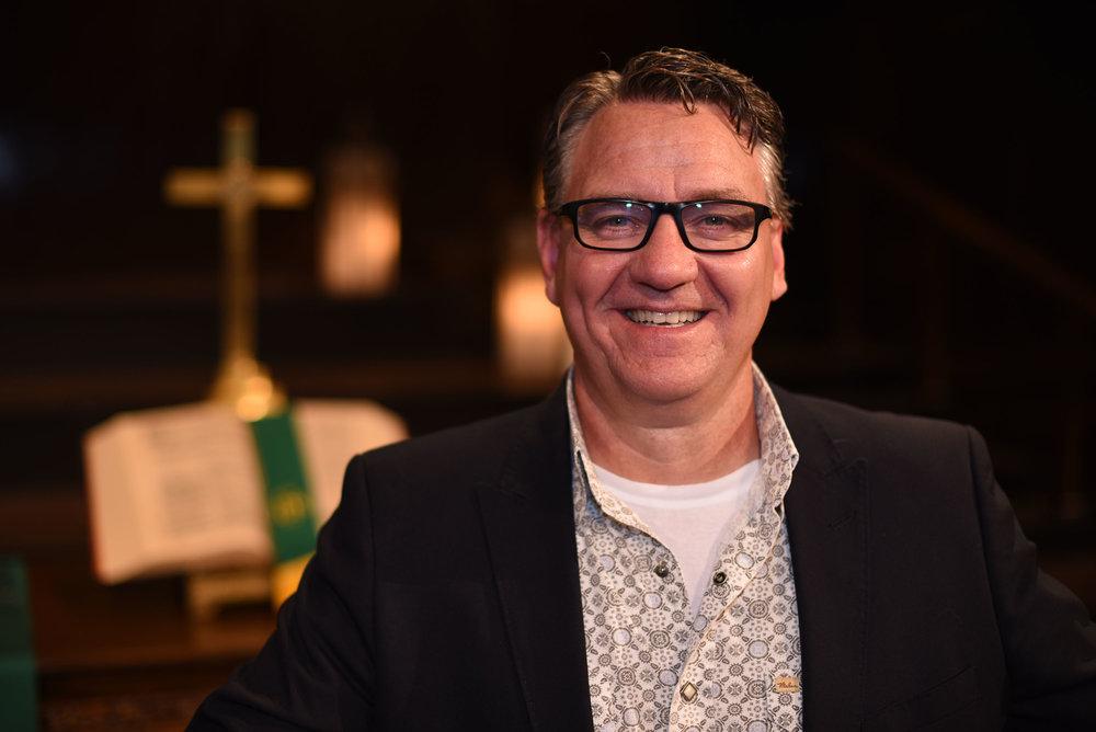 Lesly Broadbent   Senior Pastor