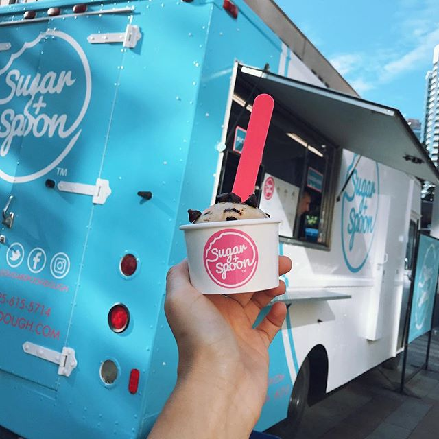 "It's Friday, your boss is driving you crazy, the printer isn't working and all you can think about is that happy hour you got pressured into by your ""high school friends"". We get it. Swing by our truck, grab a scoop of dough and start your weekend off right! . . 📍Westlake Park 3:30-7pm . . #cookiedough #foodporn #food #forkyeah #seattle #sugar"