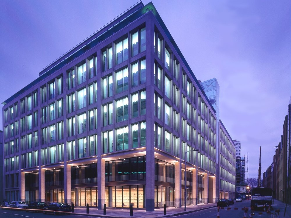 - Each year, we take members to London on two open days to top international City law firms. In 2017, members were privileged to visit Slaughter and May and Norton Rose Fulbright on a UK-based firms open day, and Reed Smith, and Weil, Gotshal & Manges on the US firms open day. Furthermore, we have our annual New Years' Networking Dinner at Allen & Overy's London office. Members get the opportunity to network with trainees, associates, and newly-qualified commercial solicitors at this Magic Circle law firm.