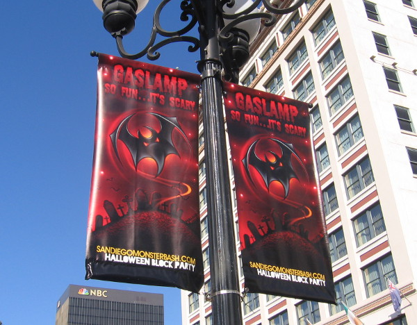 img_4853-some-spooky-gaslamp-halloween-banners-spotted-in-october-of-2014.jpg