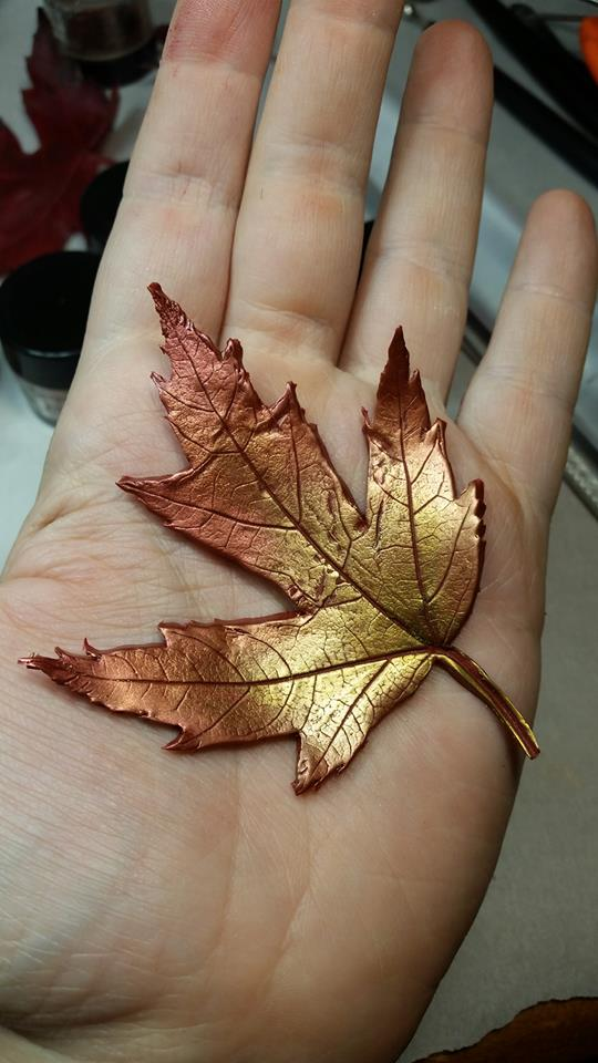 - It ends up looking a bit like a gold leafed leaf