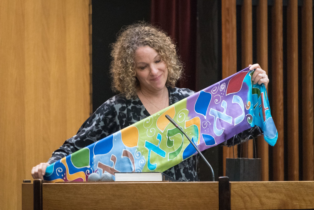 Rabbi Stacy Friedman with the healing scarf that was given to her during her battle with breast cancer & which she passed on to a WRS Sister undergoing a similar struggle.
