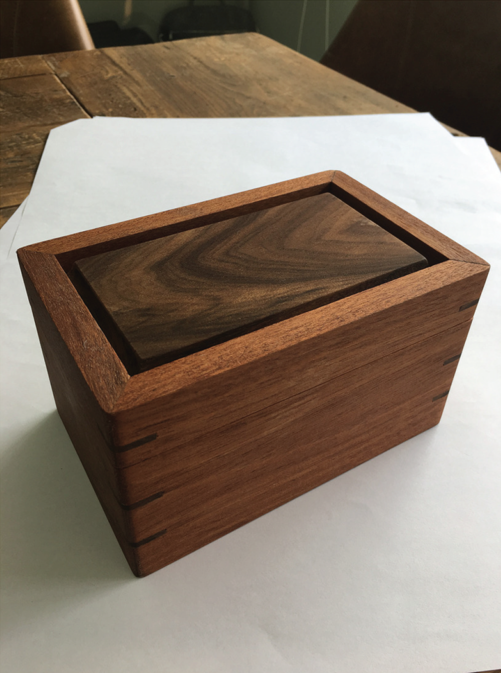 9. To complete the box, the wood was stained with Danish oil and later coated with Polyurethane.