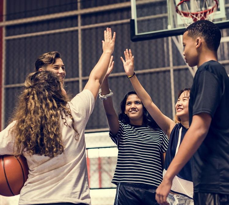 Bienestar social y emocional - La salud social y mental es un componente crítico del desarrollo juvenil, y estamos comprometidos a proporcionar los recursos para asegurar que todos los niños prosperen. Encuentre servicios para gestionar todos los aspectos del desarrollo social y emocional, incluyendo el abuso de sustancias y la madurez emocional.
