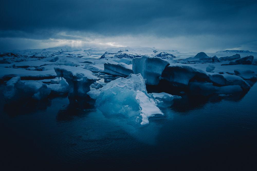 dark lagoon (2)