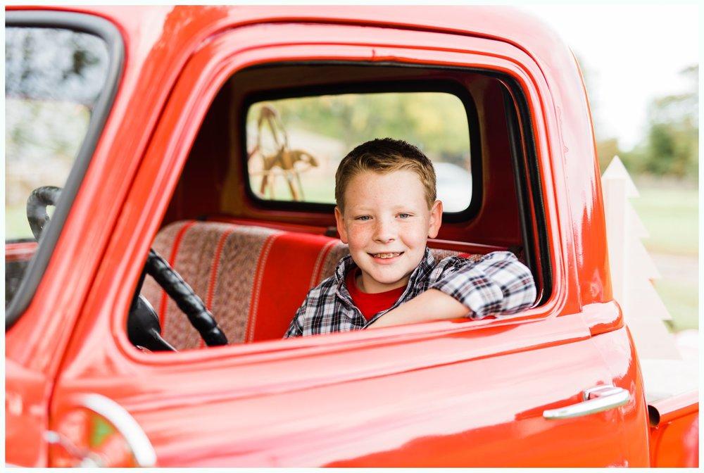 Vintage Truck Mini Sessions_3246.jpg