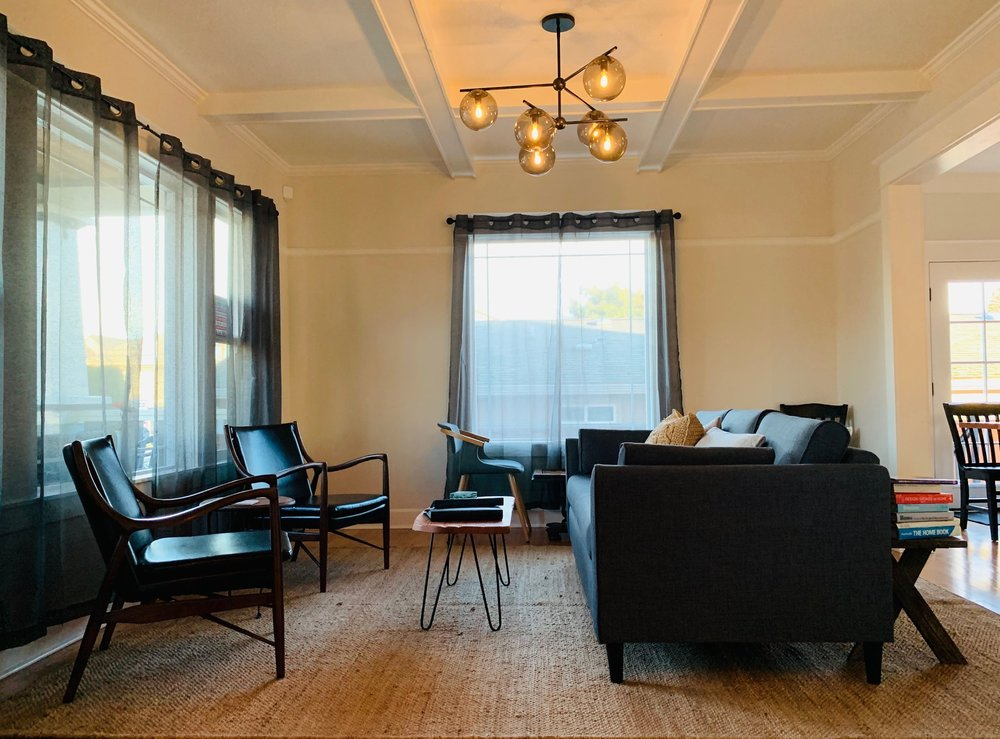 About The Alberta Petite Hotel -
