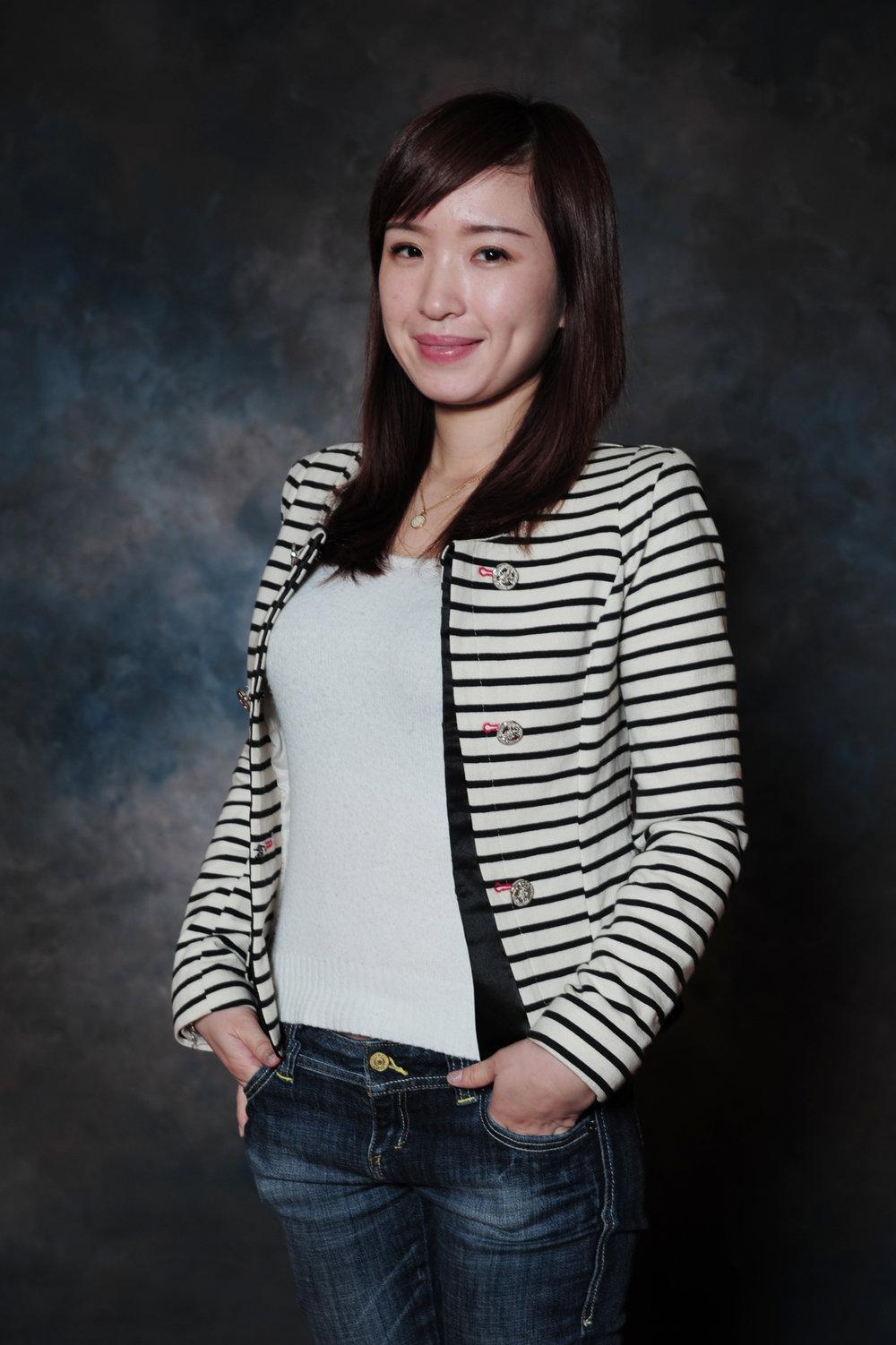 國際部行政組長 - 李哲維 Ms. Karina Lee