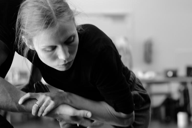 Photo: Maria Landmark Choreography: Glemt  by Simone Grøtte