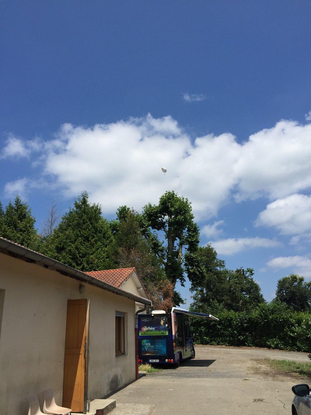 20 Lundi - CanSat Ballon.JPG