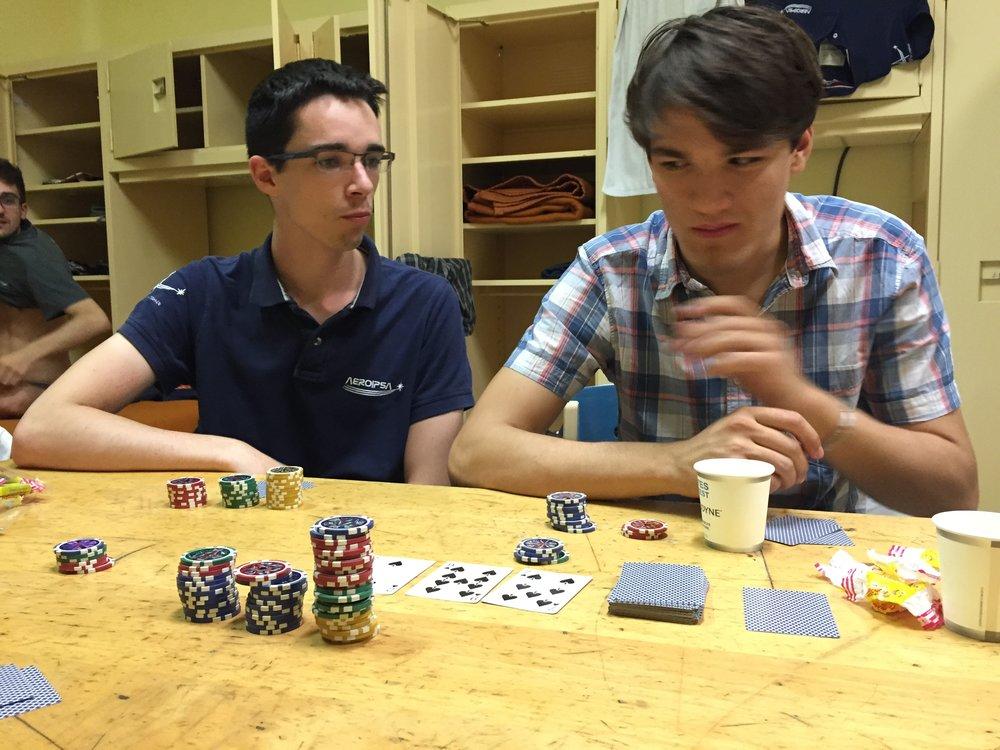 20 Lundi - Chambres Aurélien François Détente Poker.JPG