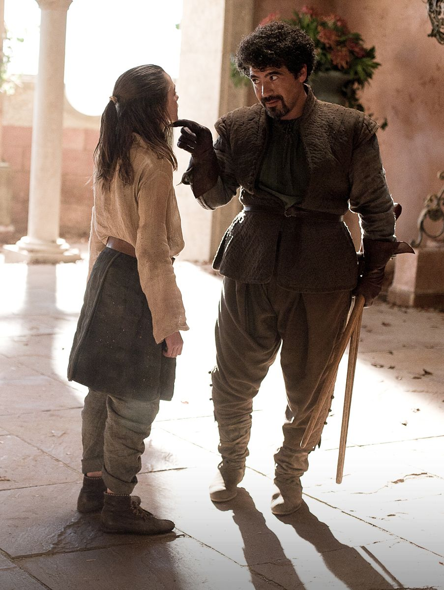 Arya-Stark-and-Syrio-Forel-house-stark-24506825-903-1199.jpg