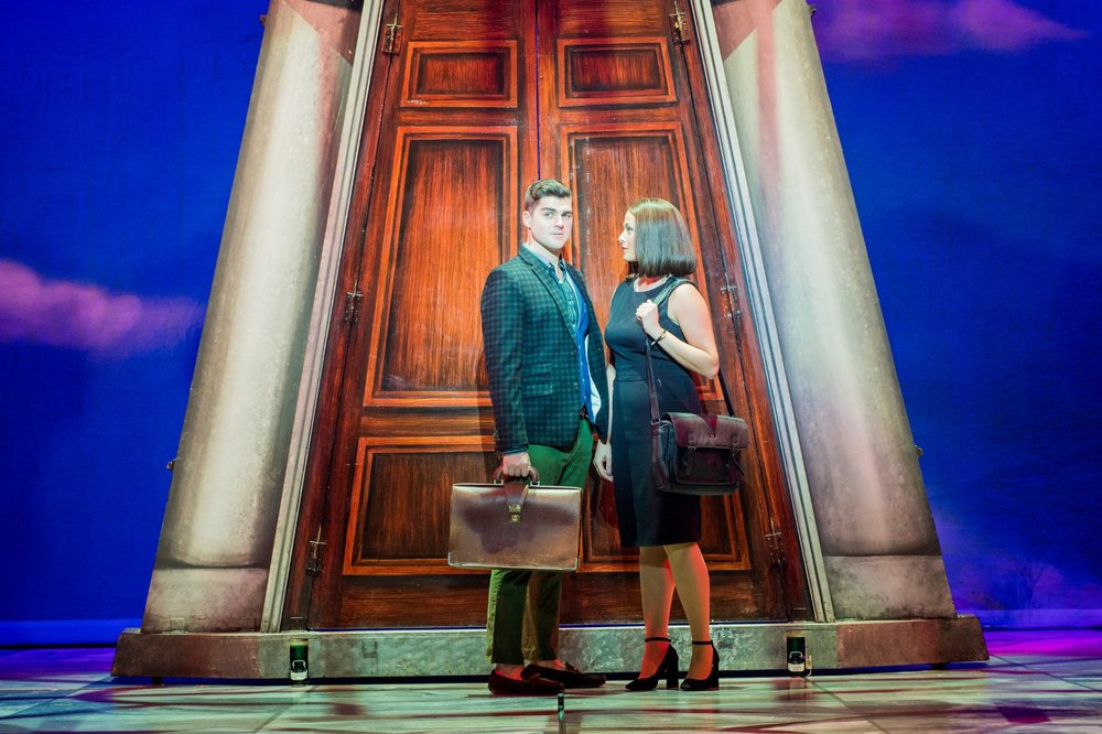 Legally-Blonde-Liam-Doyle-Warner-Huntington-III-and-Laura-Harrison-Vivienne-Kensington-Photo-Robert-Workman.jpg