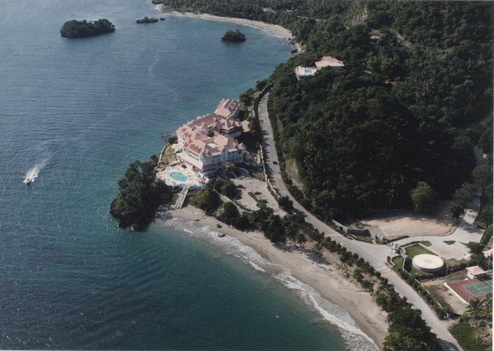 Hotel y dos Playas.jpg