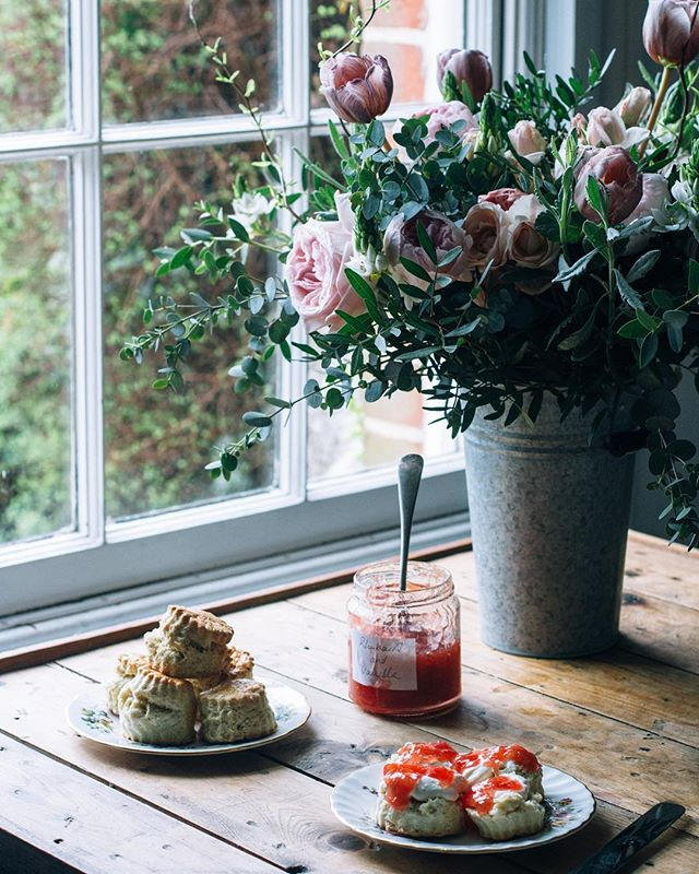 A tangle of flowers, a pile of scones and a pot of homemade rhubarb vanilla jam. The weekend is off to an excellent start.