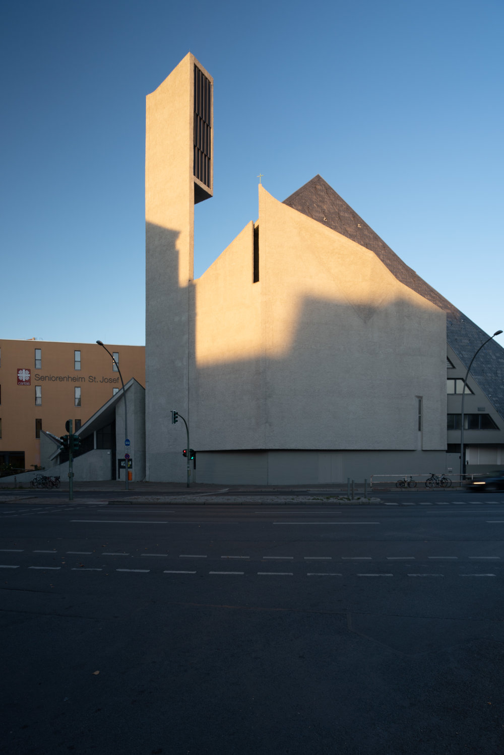 181012_Fehling+Gogel, St. Norbert Church Extension_05.jpg
