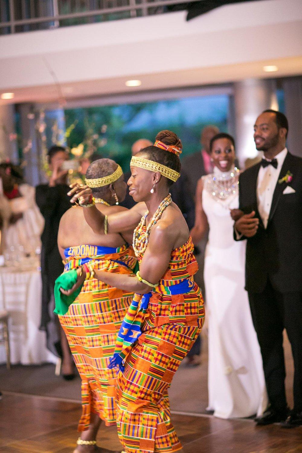 Skirball Cultural Center Wedding | Miki & Sonja Photography | mikiandsonja.com