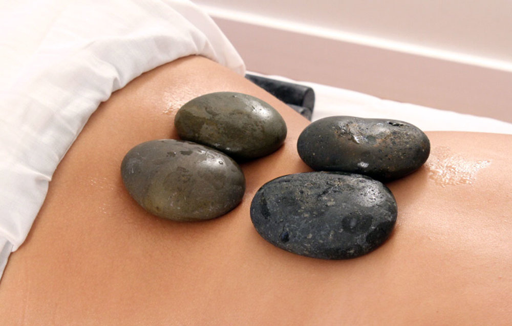 Hot-stones-massage-gallery-1.jpg