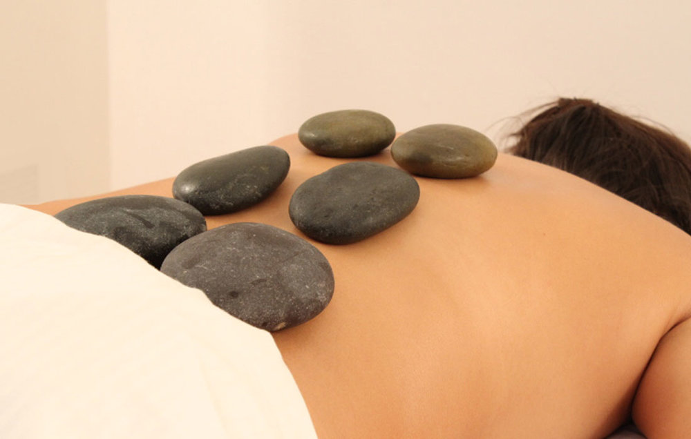Hot-stones-massage-gallery-2.jpg