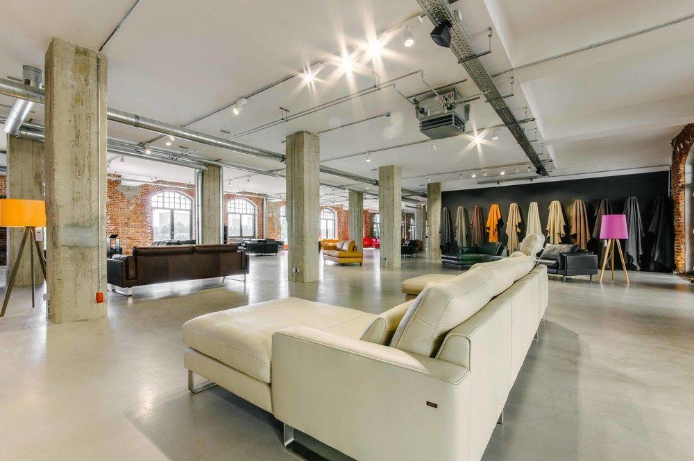 Manufaktur und Made in Germany   IKONO Möbelmanufaktur steht nicht nur für hochwertige Polstermöbel, sondern auch für Innovationen in der Sitzweltund Lifestyle im Interior und Outdoor Living Bereich.
