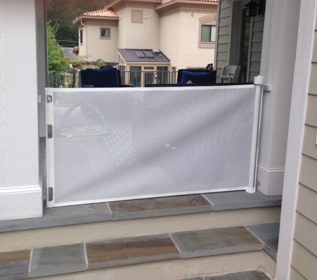 Outdoor Retractable Gate.jpg