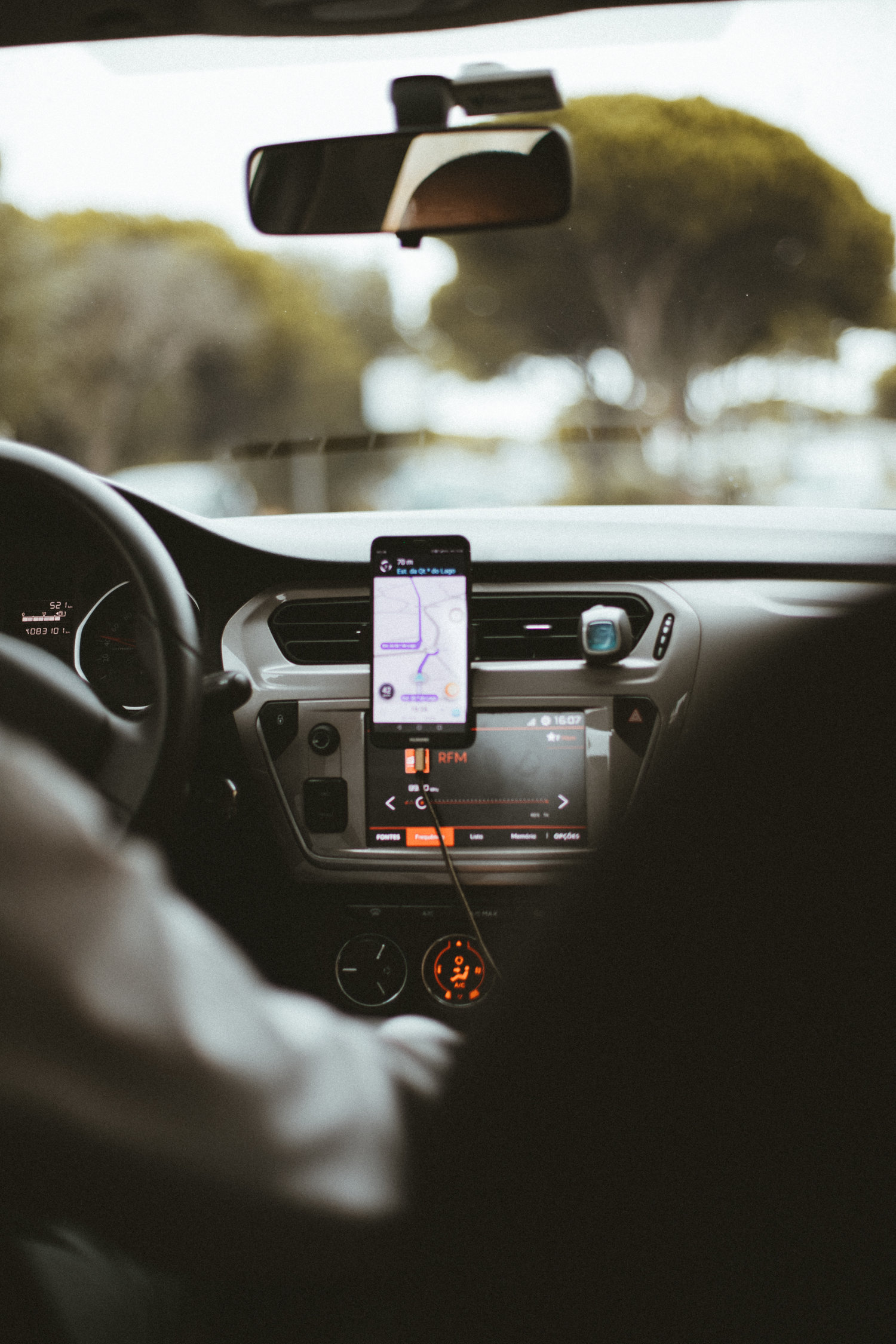 Important Safety Tips for Using Uber and Lyft — Colesville