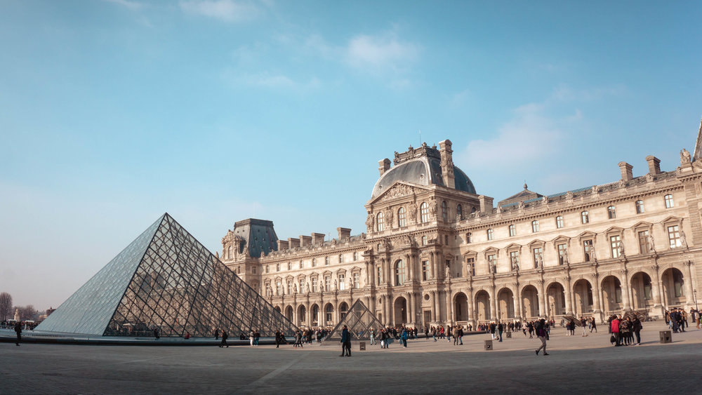 Guided Tour Louvre Museum - Explore Louvre, Paris' most famous museums. This guided tour sets the stage for a thoughtful examination of representations of black people in European art.