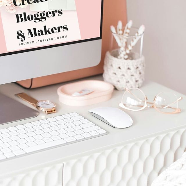 Growing a blog or building a business can be challenging.  You pour your heart and soul into it but often don't see any growth.  As a blogger and business owner myself, I understand all of the challenges, hard work, and isolation you sometimes face.  So I did something about it.  I created Creative Bloggers & Makers which is a private Facebook group where you can receive all the support, guidance, and feedback you need.  We help you by providing: 🌿 Training videos 🌿 Daily mutual help threads 🌿 Q&A 🌿 Networking opportunities 🌿 Blog feedback 🌿 Guest blog opportunities 🌿 Discussion of social media updates  And so much more!  You also get a free copy of my eBook, Blogging For Business.  There are so many supportive, like-minded people waiting to cheer you on.  It's free to join so why wait!  Click the link in my bio to join or read my latest blog post to learn more!  I hope to see you there! 💜  #bloggersgonnablog #makersgonnamake #womansupportingwomen