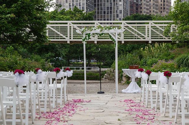 •our ravine is perfect for your ceremony. afterwards, your guests can cocktail around the museum and even take a drink and view over 1,000 butterflies in the Judy Istock Butterfly Haven•